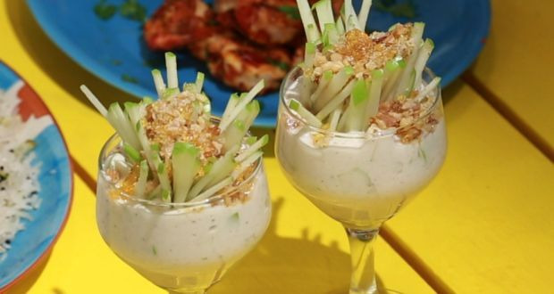 Apple Walnut Shrikhand (My Yellow Table) Recipe - Chef Kunal Kapur takes us through the art of making the best loved Gujarati dessert. Yogurt, sugar, slices of green apple and some walnuts come together to create this magical dessert.