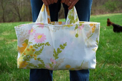Grocery bag made from vintage pillow case. (There's pics all over Pinterest of this bag, but this one actually links to the tutorial.)