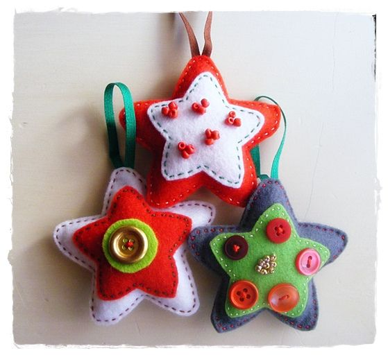 cute felt stars     use cookie cutter for shape - lesidee viltborduren