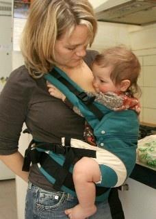 Breastfeeding in manduca