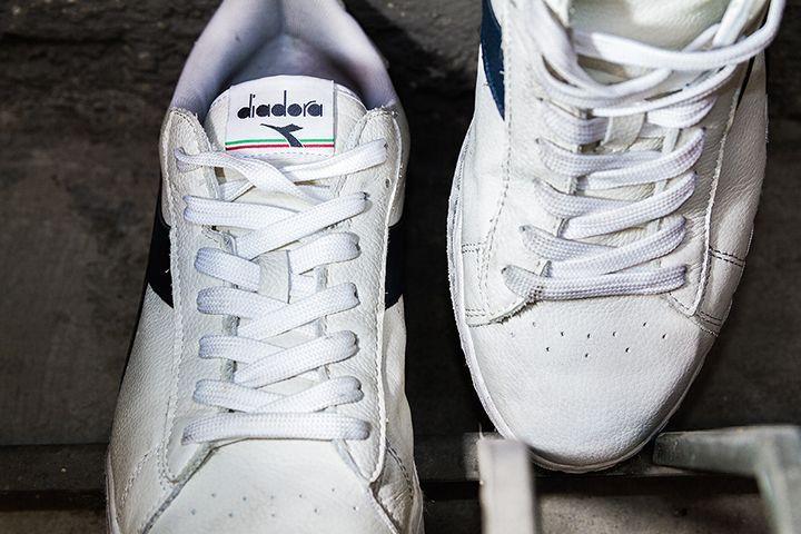 ディアドラからコートシューズをベースにした新作モデル登場   イタリア発スポーツブランド〈ディアドラ(diadora)〉より、新作シューズ「GAME L LOW」が登場。2月17日(金)に発売される。    「GAME L LOW」は、1970年代に初登場し、当時アルゼンチン・ブエノスアイレス出身の契約選手ギリェルモ・ビラスが着用したモデルとしても知られているテニスシューズ最高峰モデル「ゲーム」シリーズをベースに製作した新作。履けば履くほど足に...