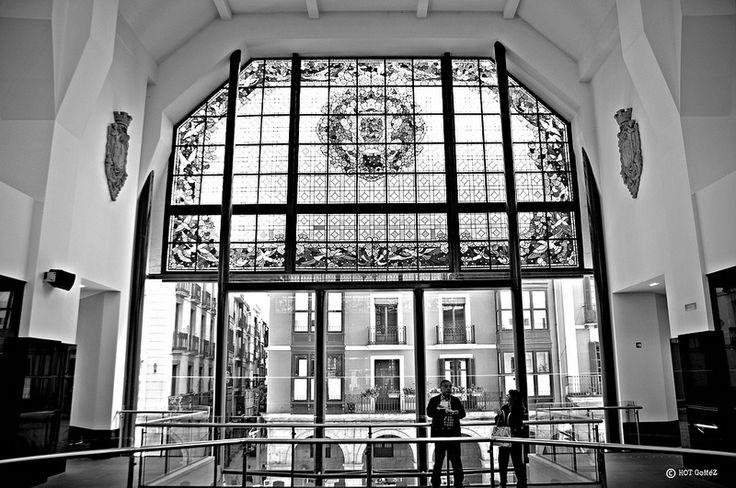 Mercado de la Ribera window