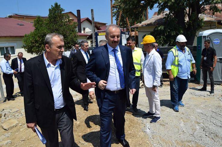 Ministrul V. Dincu,in vizita la Mioveni !