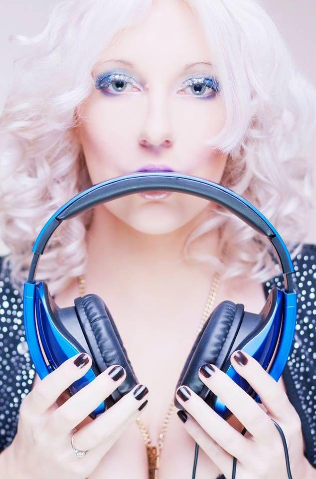 DJane Mirjami Photo for OBLANC Headphones