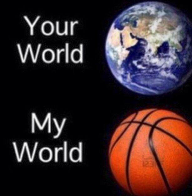 En mi tiempo libre,  yo jugar basketball