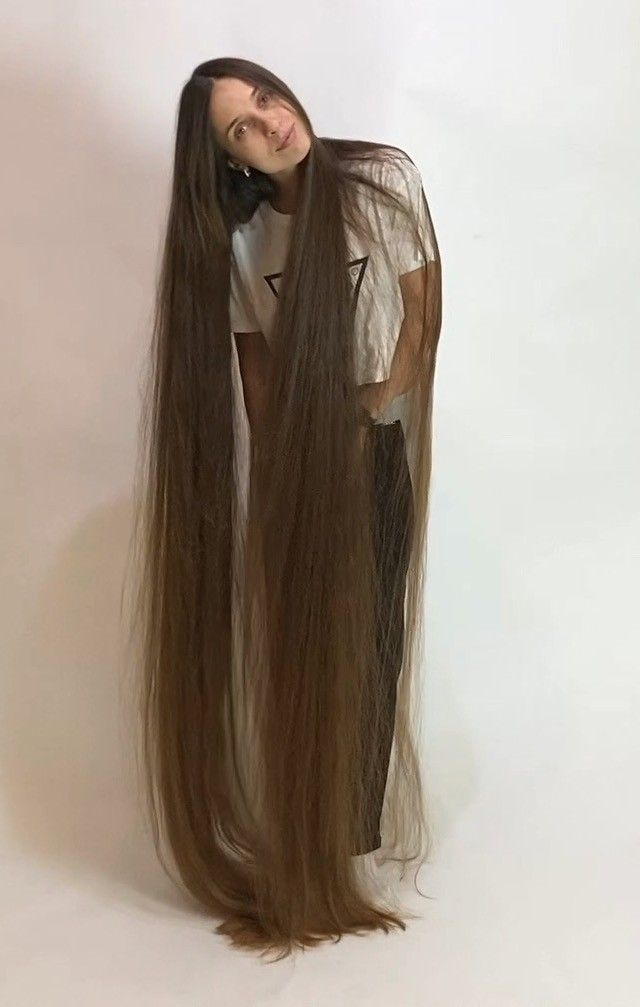Video The Definition Of Perfect Long Hair In 2020 Long Hair Styles Long Hair Girl Long Hair Play