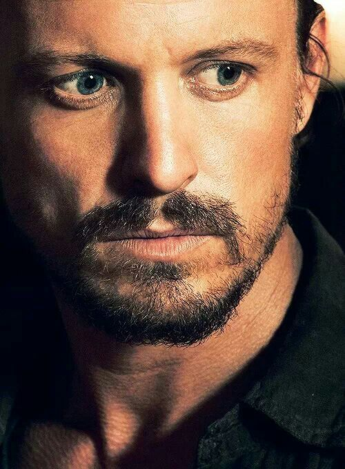 Revolutions  David Lyons sexie MONROE ♥♥