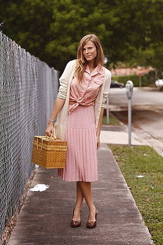 sweet and retro monoxhrome look. perfect picnic attire.