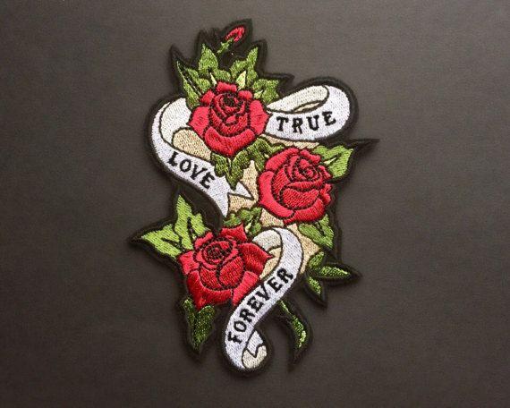 True Love Forever Roses correctif fer sur Patches brodés Applique • Art Rock Grange vieille école Guns