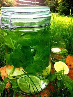 Słodko i Pieprznie: Likier miętowo limonkowy (Likier miętowy)