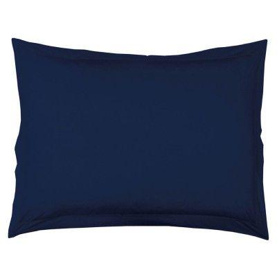 Taie oreiller rectangulaire, 50 x 70 cm, de couleur bleu marine. 100% coton, 57 fils, volant plat et point bourdon.<br><br>Liste du linge de lit uni disponible dans cette gamme, en coloris bleu marine (selon stocks) :<br>- Drap housse en 140 x 190 cm.<br>