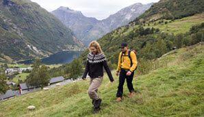 Vandring ved Geirangerfjorden, Norge - Foto: Terje Rakke/Destinasjon Geirangerfjord-Trollstigen