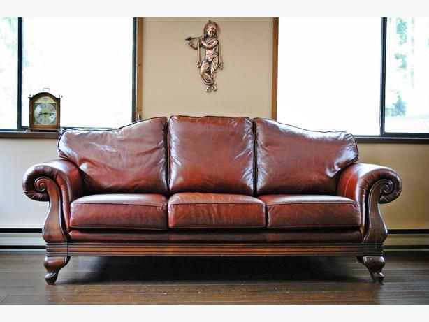 have 2 red leather couches and needing chairs but donu0027t want them to