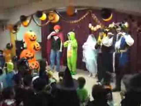 Fun action song for Halloween story time!Knock Knock, Trick or Treat? - Halloween Song - YouTube