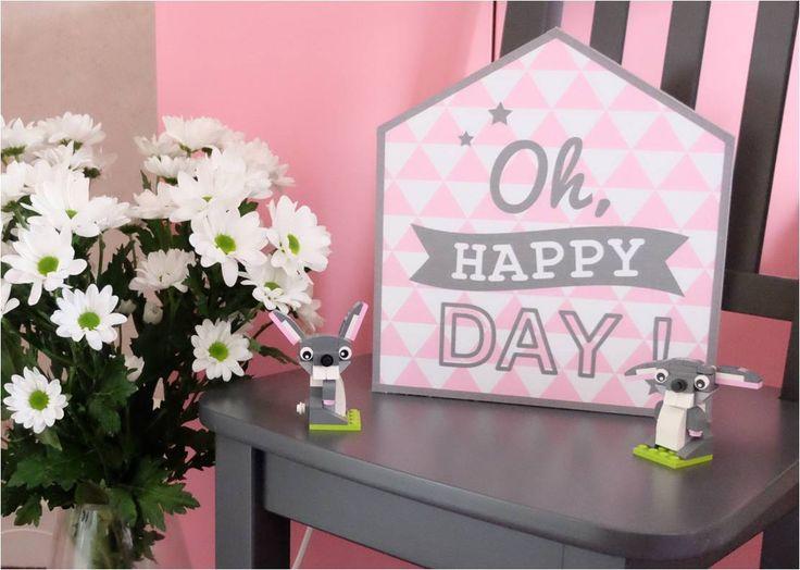 """Lampe de chevet Little House """"Oh Happy Day !"""" J'ai une passion pour les petites lampes disposées un peu partout dans la maison. J'aime aussi qu'elles soient design comme la célèbre fatboy ou raccord avec la tendance du moment. Pour aller avec les motifs..."""
