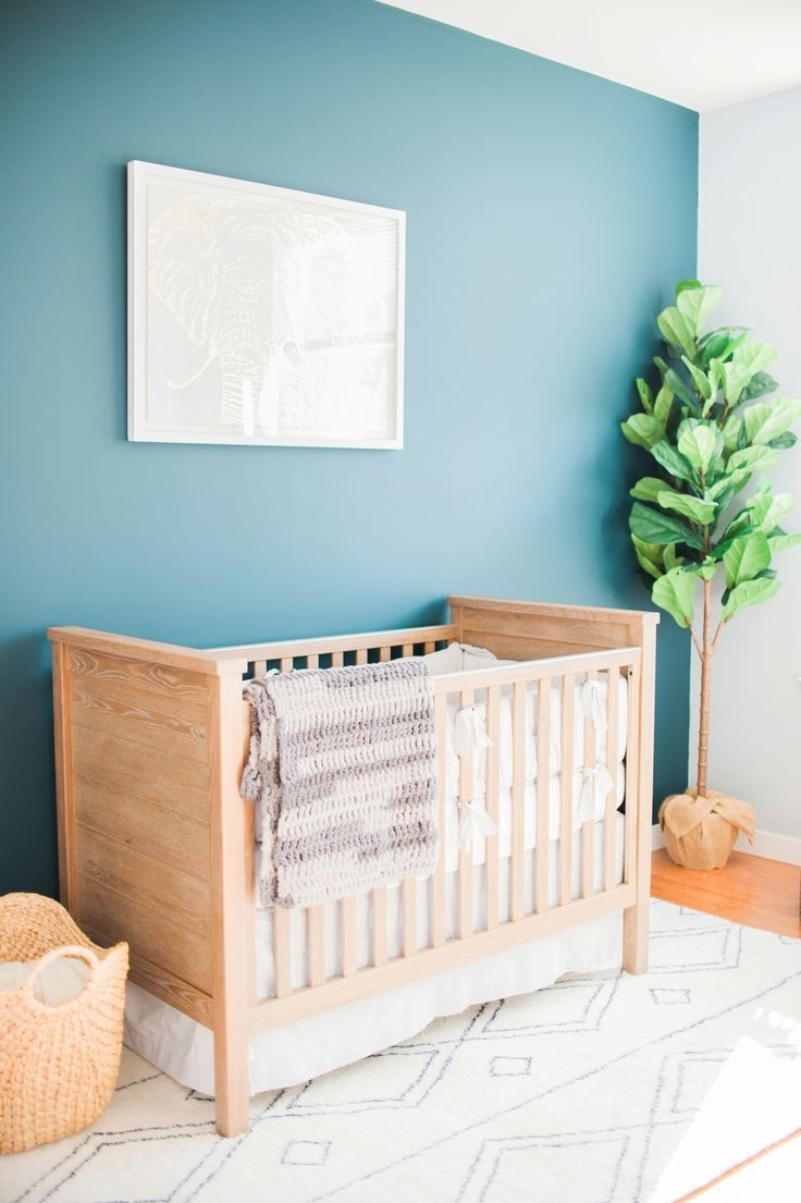 Tranquil baby nursery: Photography: Evian Granitz - www.eviangranitzphotography.blogspot.com   Read More on SMP: http://www.stylemepretty.com/living/2017/03/01/a-tranquil-nursery-for-a-baby-boy/