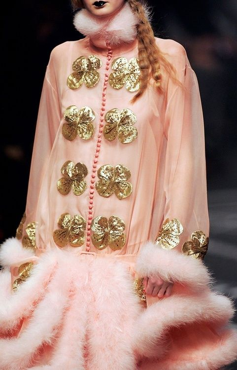 John Galliano does Pink-maison KISS KISS...1920's and 30's inspired