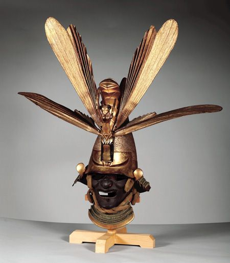 Helment, Wallace collection, featuring a huge gold mantis.