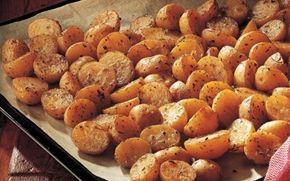Små bagte kartofler er det perfekte tilbehør til roastbeef og chateaubriand. Opskriften er hurtig og nem at følge og giver et fantastisk resultat!