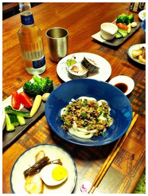 元気の出るごはん! - 5件のもぐもぐ - ニラジャージャーうどん、海鮮巻き寿司、明太マヨディップサラダ、味玉・焼豚 by chirarhythm