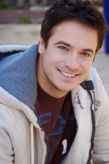 FRANK RAUTENBACH (Actor) Attractive Christian actor....Not only is he gorgeous with a yummy scottish/south african accent, but I respect him greatly for his love for Jesus :)