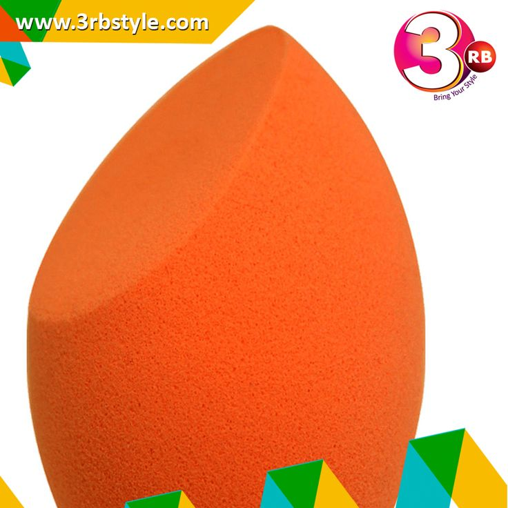 The rounded sides effortlessly blend large areas of the face with a 'stippling' action, whilst the precision tip perfectly conceals blemishes and targets smaller areas. The flat edge can be used to professionally blend foundation and concealer in the contours around the eyes and nose for a bright, highlighted complexion. This makeup sponge provides a flawless, edge-less application to help you look your best, every day, Use the flat edge around the nose and eyes.