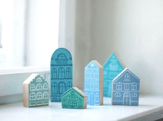 SET de 6 piezas  aldea de madera miniatura pintadas a mano