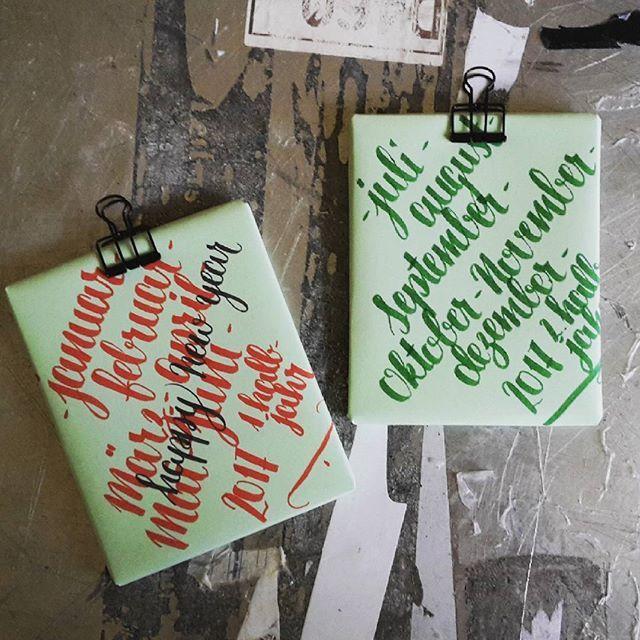 #xmas2016 - geschenk nr. 1: fertig! ✌ #geschenke #kalender #wochenkalender #fotos #diy #selbermachen #stepp4 #finish #lettering #brushlettering #handlettering #typography #letterattack inspired by @frauhoelle & @rabenhannah #52wochenösterreich #365austria #1jahrvollerurlaubserinnerungen #fuerpapa #weihnachten #earlybird by me | @svenjaharder | #svenjalovinghamburg