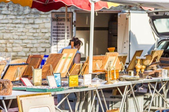 Villeneuve-les-avignon market