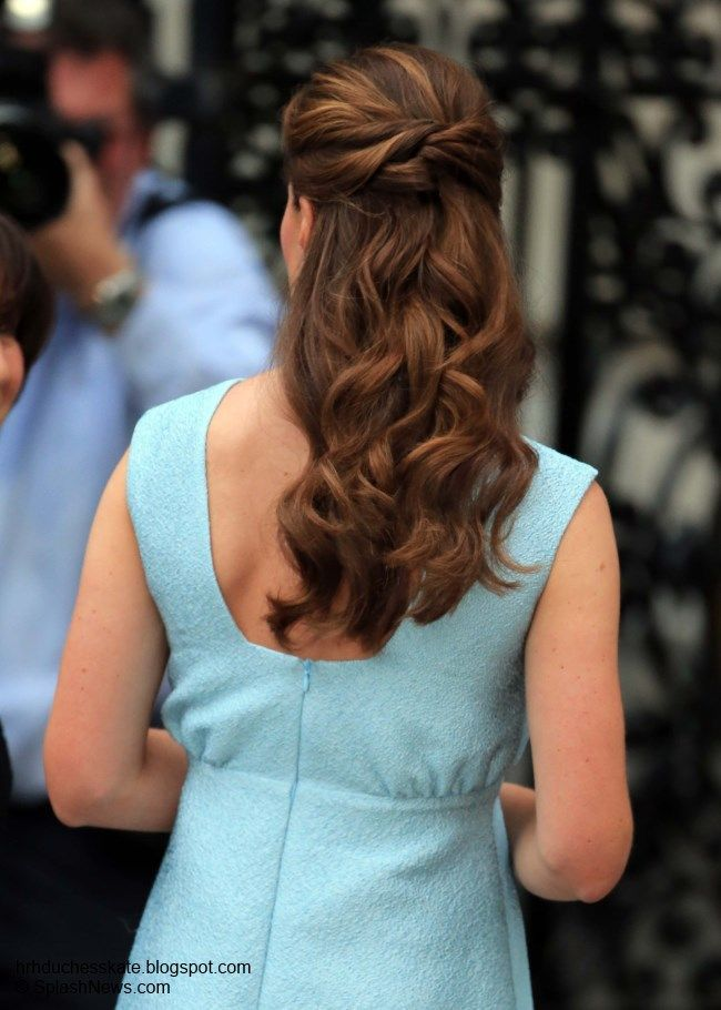 Duchess Kate: The Duchess in Pale Blue Emilia Wickstead For Art Room Reception