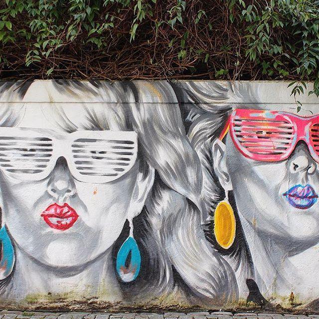 Hope you had a groovy Monday! ✌ -------------------- #bergen #norway #visitbergen #visitnorway #streetart #bergenstreetart #art #artsy #artist #artwork #artoftheday #arts #sunglasses #instaart #instago #instagood #instapic #instacool #instadaily #instaphoto #instadaily #ig #igers #igdaily #ig_captures #instamoment #instaartist #streetarteverywhere #bluesteel