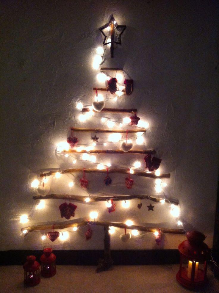 Icono Interiorismo: Arboles de navidad hechos con ramas secas