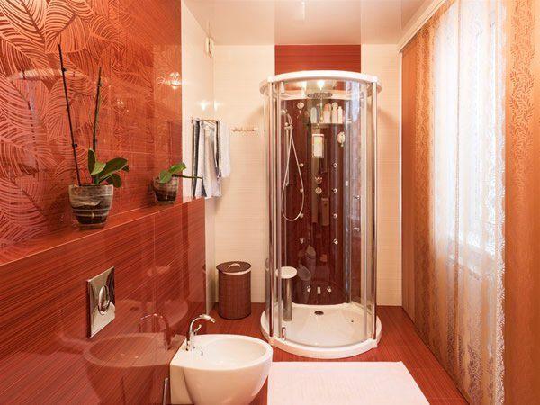 Red Small Bathroom Interior Design http://hative.com/small-bathroom-design-ideas-100-pictures/