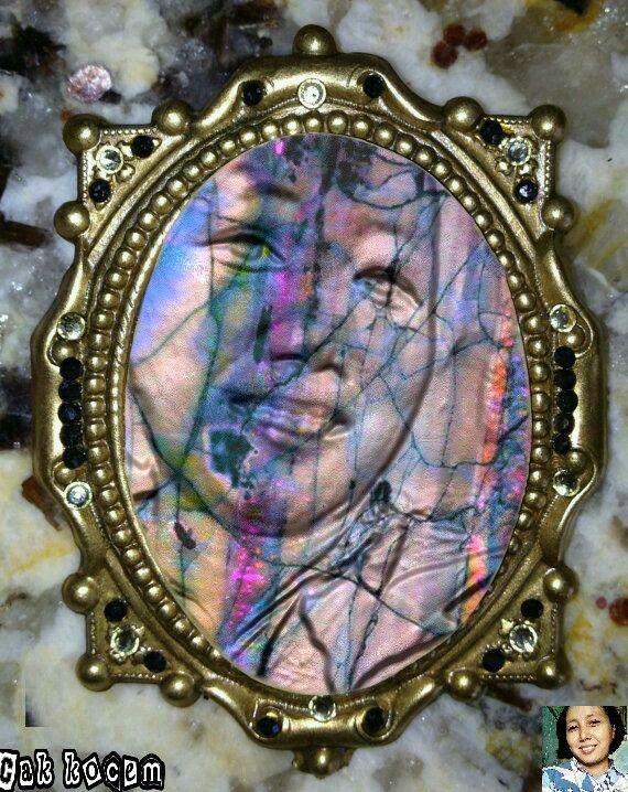 Gemstone Manipulation art