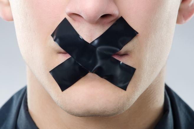 Pewnych słów nie warto używać.  http://topiszeja.pl/jakich-slow-nie-uzywac/