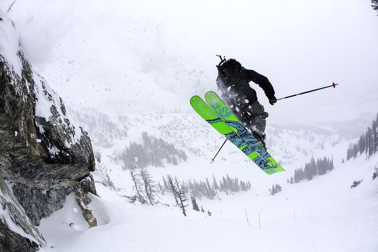 Sam Schwartz | Photo Eric Seymour #alpineskiing #athlete #mountainsports #extremesports #k2skis #mountainathlete #markerbindings #discreteclothing #xtremespots
