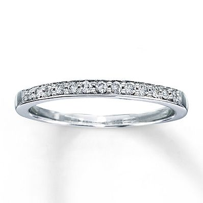 Zales 1/8 CT. T.w. Diamond Anniversary Band in 10K White Gold FZvbW3aEGm