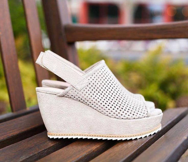 Amazing cute white wedge heels