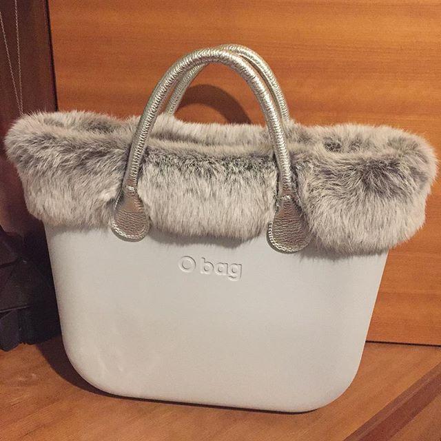 #obag#argento#ghiaccio#neve#girl #crismas #glamour #fashion #moda#pelliccia#accessori#manici#sacca#bordo#feste#