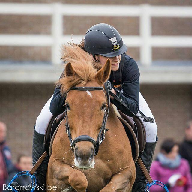 Almost jumping over you ...⠀ Alexe & Flair⠀ ⠀ #pony #ponylove #ponies #ponykids⠀ ⠀ #horse #horsephotography #horsephotos #equine #equinephotography #pferde #pferdefotografie #paard #paardenfotografie #bestofequines #cheval #horsesofinstagram #horsestagram #horseriding #bestofequinephotography #horsephotographer #instahorse #paardenfotograaf #europaspferde #equestrian⠀ #showjumping #horseshow #jumpinghorse #jumping⠀ #LRV #LRVTornooi