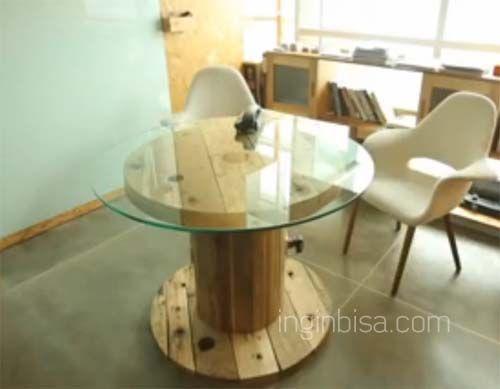 Meja dari roll kabel
