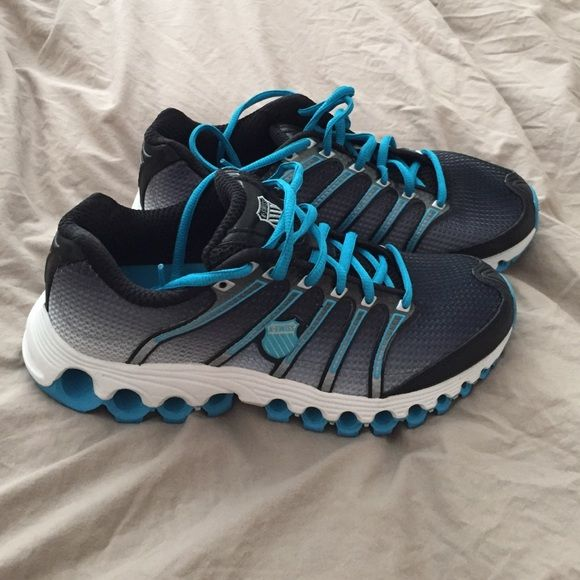 KSwiss sneakers. NWOT. Size 8 KSwiss athletic trainer sneakers. Brand new from famous footwear.  Never worn! Super comfy! Women's size 8. K Swiss Shoes Sneakers
