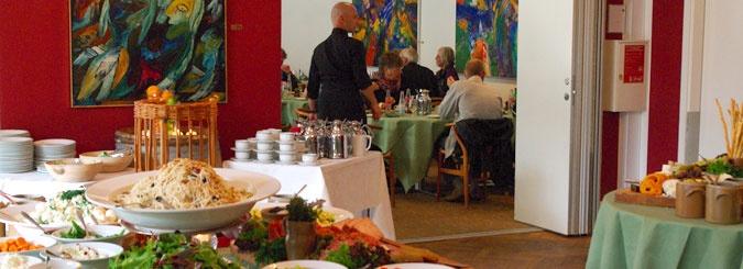 Skovtursfrokost | Gl. Skovridergaard. man kan få udpeget en vandretur i skoven, og slutte af med en frokost i restauranten. 4