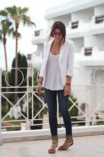 Simple yet chic #streetstyle #fashion #spring