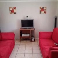 2 Bedroom Townhouse for rent in Langenhovenpark, Bloemfontein