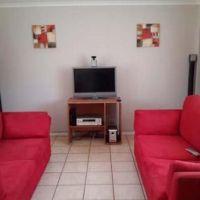 2 Bedroom Townhouse for rent in Langenhovenpark, Bloemfontein