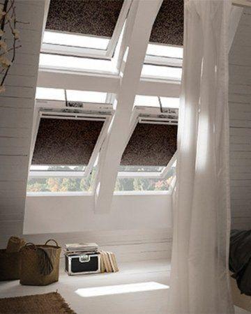 Raamdecoratie schuine ramen Kiepdraairaam zolder met EasyClick #raamdecoratie #zonderboren #Easyclick #mrwoon