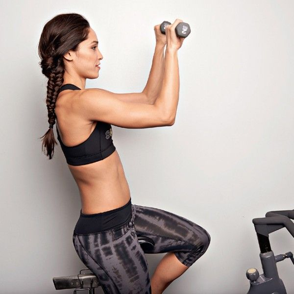 Να πώς φεύγει η χαλάρωση από τα μπράτσα με ασκήσεις για χέρια - Shape.gr