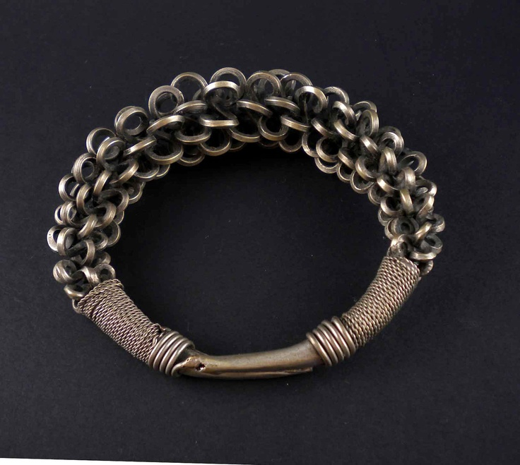 China | Contemporary Miao silver bracelet from South China or the Golden Triangle | 90 Euro