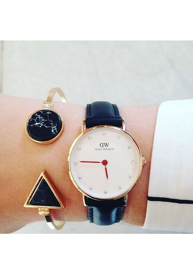 Black and Gold Marble Effect Arrow Cuff #fashion #style #black #marble #watches #cuffbracelets - 15,90 € @happinessboutique.com